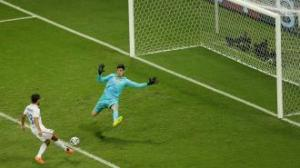 The USA had this chance to win the game with 1 minute left, but we missed the goal completely